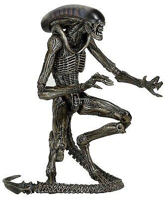 "Aliens - 7"" Scale Action Figure - Series 8 - Dog Alien (Grey Variant) - NECA"