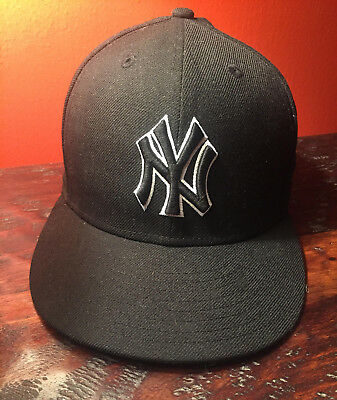 2a1cecd04 New York Yankees 59 fifty Baseball Hat (Size 7 1/2 or 59.6 cm)