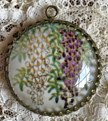 WISTERIA Glass Dome PENDANT Round XL Filigree FROM ANTIQUE BUTTON Floral