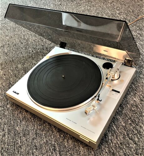 Vintage Panasonic Automatic Turntable SF-620 LP Record Player. Pre owned.