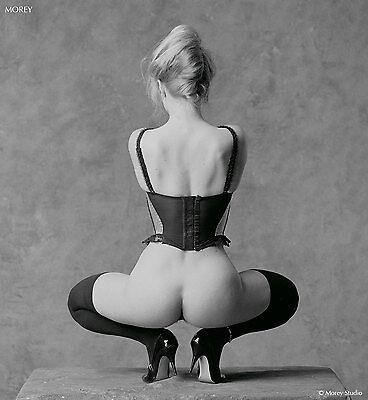 Black & White Fine Art Nude, Octavia 93677.09, signed 8.5x11 photo by Morey