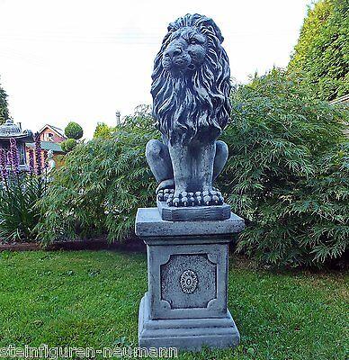 Steinfigur LÖWE MIT SÄULE , Frostsicher Deko Garten Tierfigur NEU Grau Patiniert