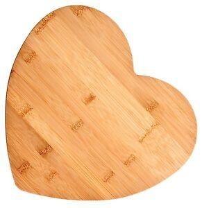 Bamboo-Heart-Shaped-Cutting-Board-large