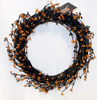 Kohl's Celebrate Halloween Black Orange Pipberry Wreath Decoration 16' NWT ()