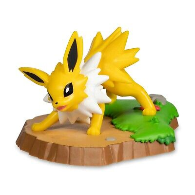 Eevee and Friends Jolteon - New In Box