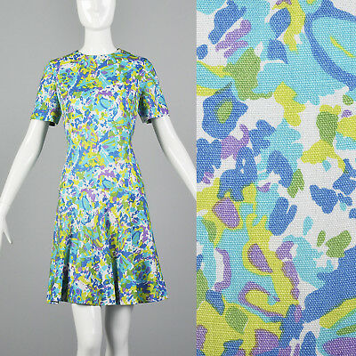 Small 1960s Shift Dress Short Sleeve VTG Dress Summer Outfit Floral Print Shift