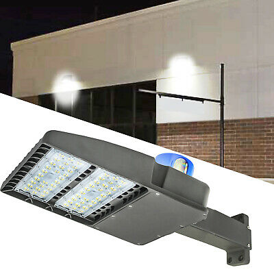 Led Parking Lot Lighting200watt 24000 Lumenswith Dusk-to-dawn Photocell Sensor