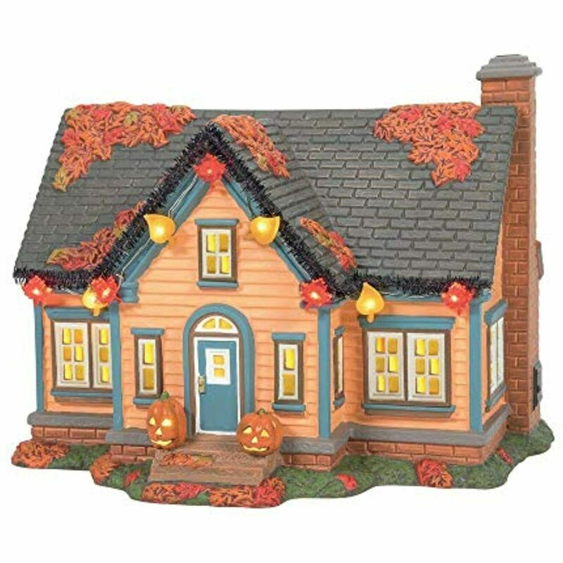 Department 56 Snow Village Peanuts Halloween Trick or Treat Lane House Set