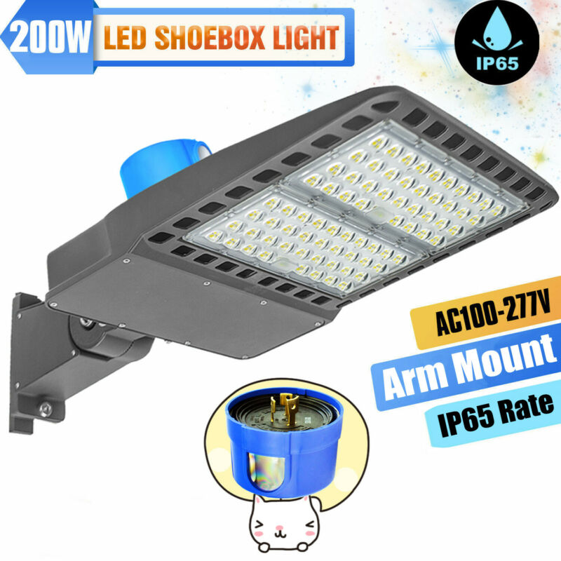 LED Parking Lot Light 200w 5500k Bright Dusk to Dawn with Photocell IP65 130lm/w