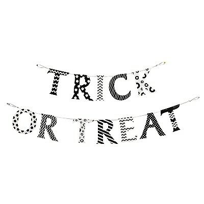 """""""Trick Or Treat"""" Halloween Pennant Banner 2 Piece Set - Fun Express](Halloween Pennant Banner)"""