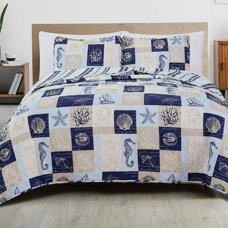 Great Bay Home 3-Piece Reversible Quilt Set with Shams. All-Season Coastal Beach