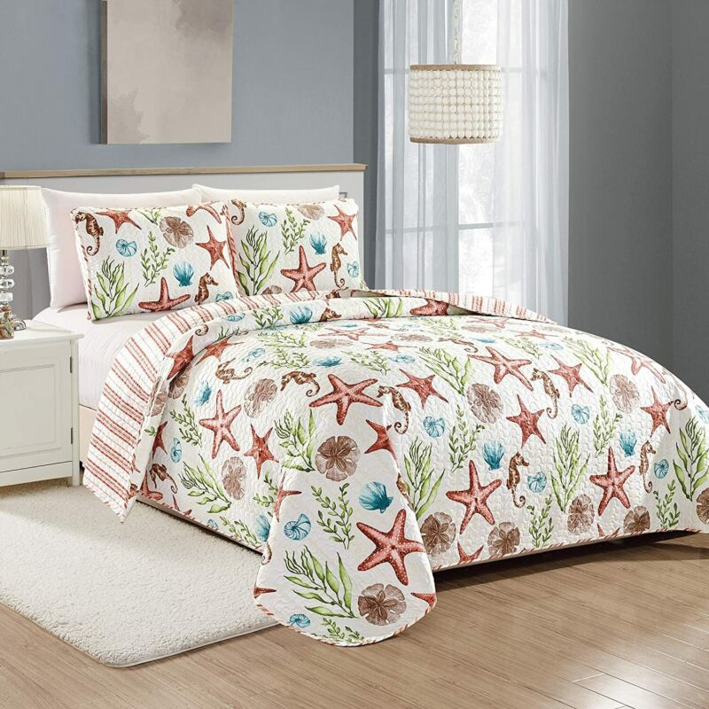 Great Bay Home Castaway Coastal Collection 3 Piece Quilt Set with Shams. Reversi