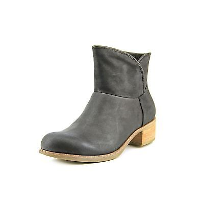 Ugg Darling (UGG Australia Ladies Size 5 Darling Ankle Style Suede Boots,)