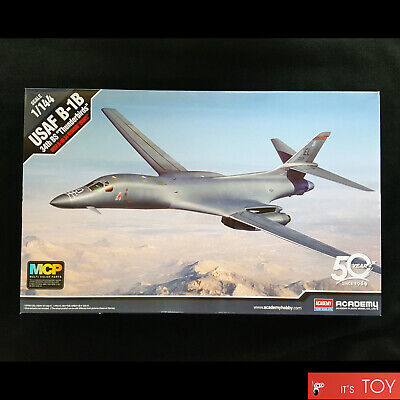 "Academy 1/144 USAF B-1B 34th BS ""Thunderbirds"" Bomber Plastic model kit #12620"