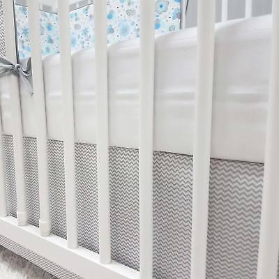 Baby-Joy Bettrock Volant für Babybett Kinderbett ZICK-ZACK Linie Baumwolle grau