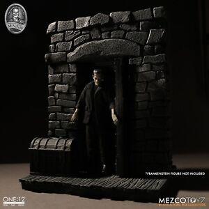 New Mezco One:12 Frankenstein Diorama Doorway