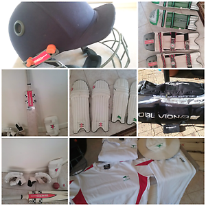 CRICKET GEAR.   FULL SET.   .KIDS/CHILDREN/YOUTH Carine Stirling Area Preview