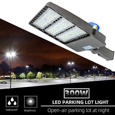 300W LED Shoebox Light Parking Pole Lot Light With Dusk-to-Dawn Photocell -