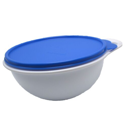 Tupperware Mini Thatsa Bowls 6 Cups #3056 Snow White with Blue Seal Lid
