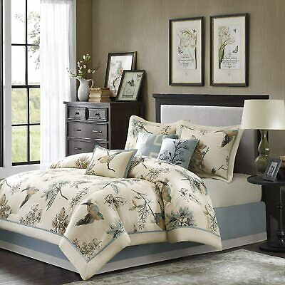 Madison Park Quincy Queen Size Bed Comforter Set Bed in A Ba