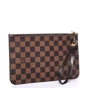 **Looking for Louis Vuitton Neverfull Pochette**