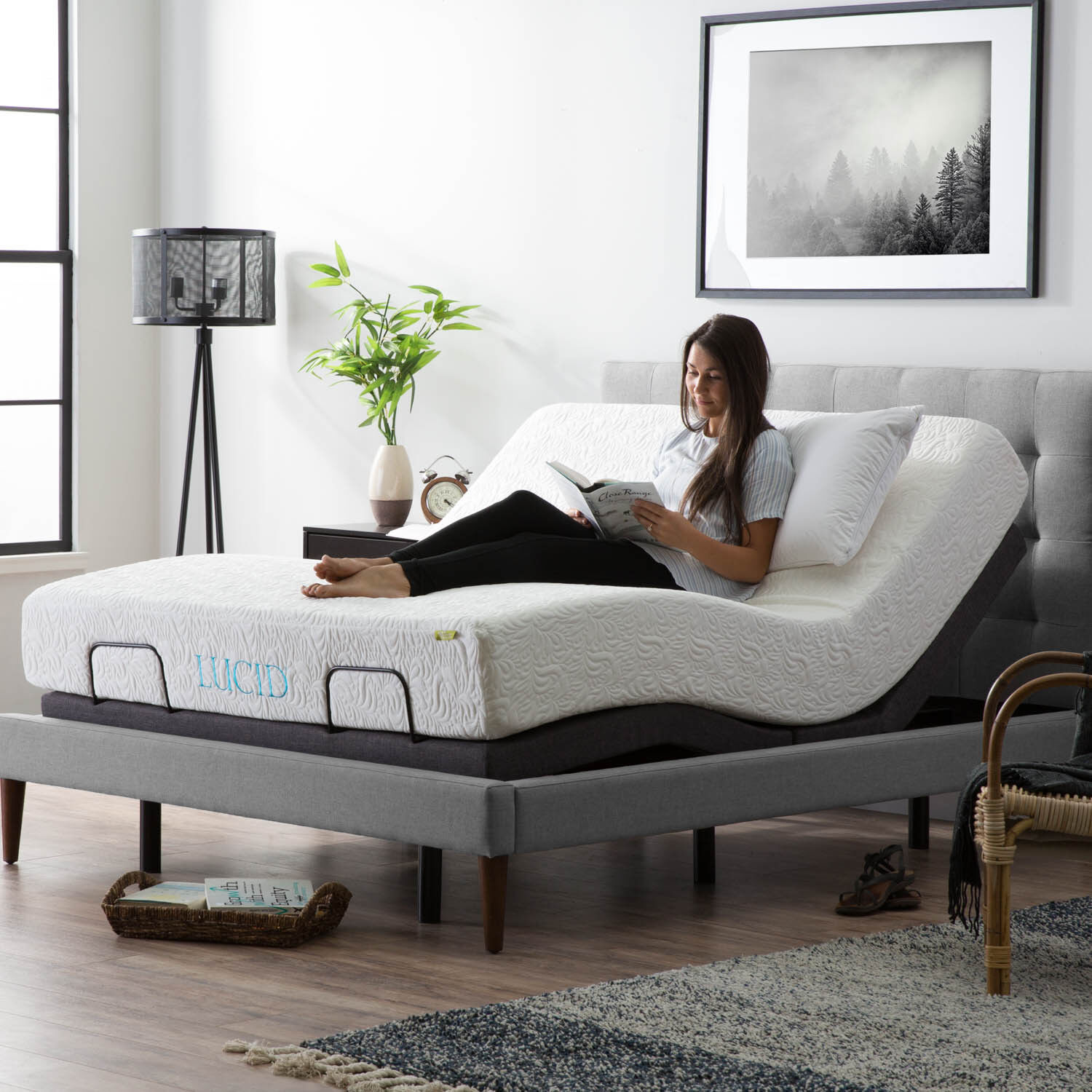 adjustable bed base with motorized head foot