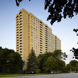 Renovated 3 bedroom in Mississauga Valley $2395 Large suites!
