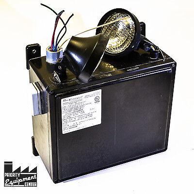 Appleton N2ls28726 Emergency Light C1d2 2 Lamp 6v Needs 1 New Light
