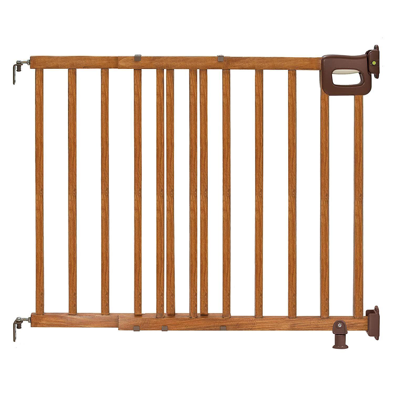 Summer Infant 07950 Deluxe Stairway Wood Gate - Oak