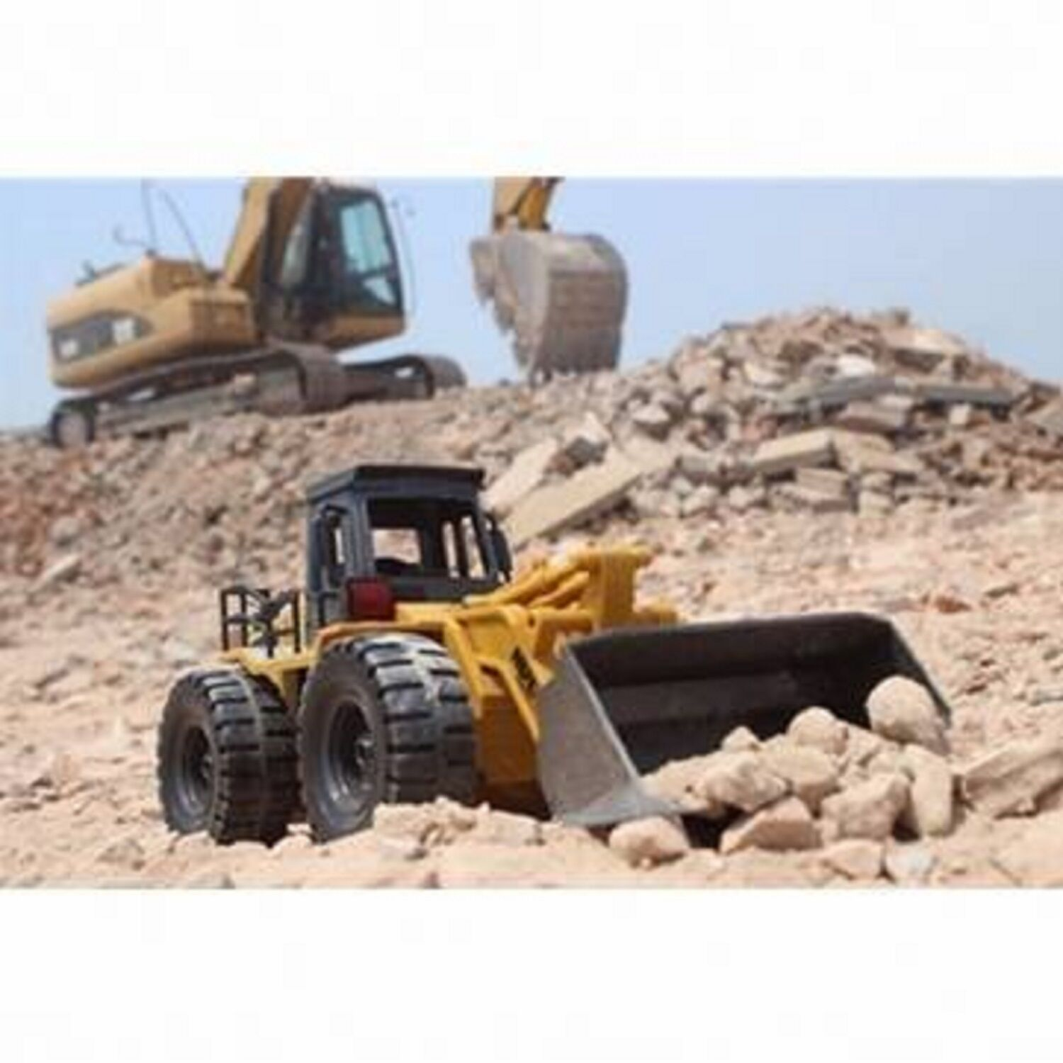 HuiNa Toys 1520 6 CH 1/18RC Metal Bulldozer Charging Excavator RC Front Loader