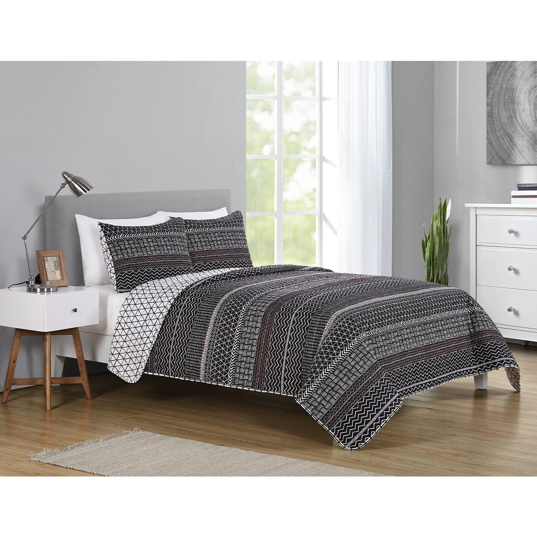 Full/Queen or King Geometric Reversible Quilt & Sham Bedding Set Black White Red Bedding