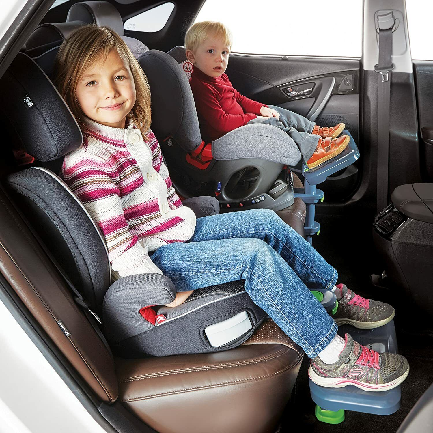 Kneeguard Kids Car Seat Foot Rest for Children and Babies.