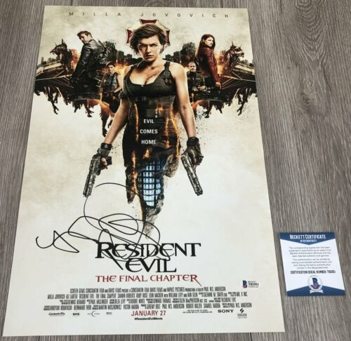 MILLA JOVOVICH SIGNED RESIDENT EVIL 12x18 PHOTO w/EXACT PROOF & BECKETT BAS COA