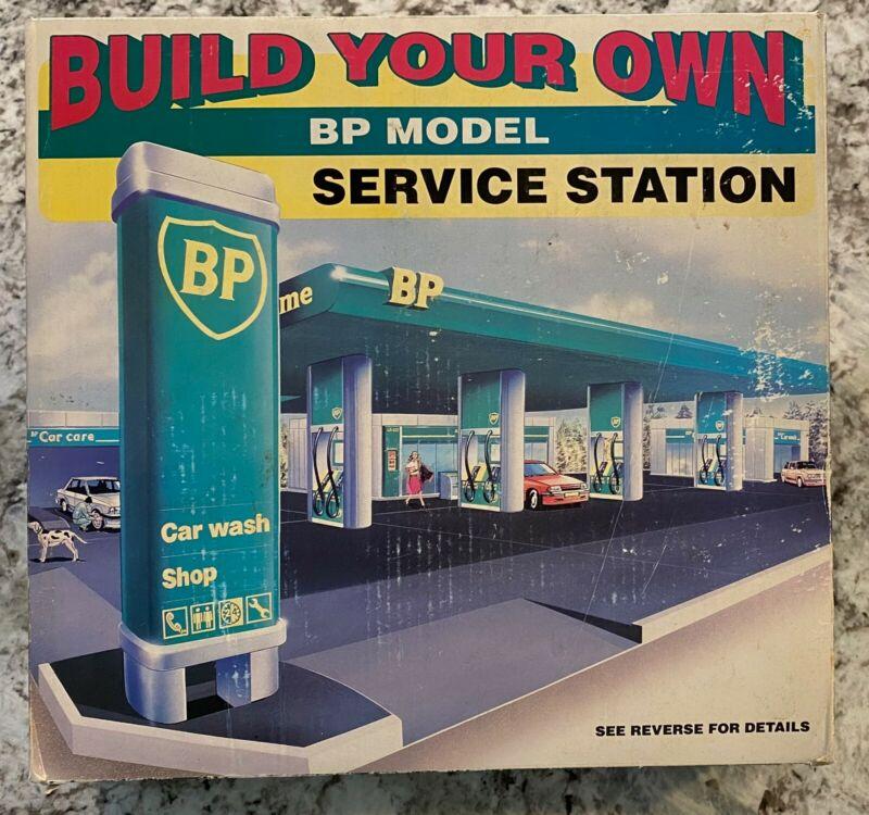 NIB Build your Own BP Gas Service Station Car Wash Toy Model Kit 1995