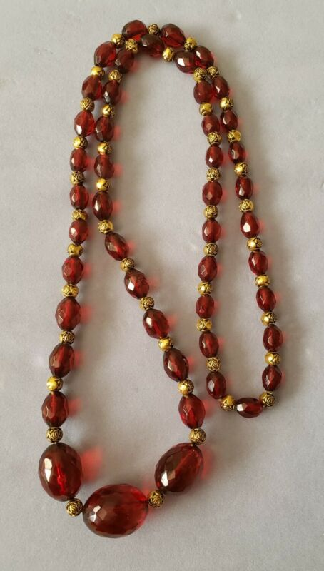 Vintage art deco cherry amber bakelite large necklace 41.5 grams