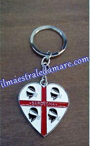 Portachiavi-Cuore-metallo-Sardegna-Souvenir-4-mori-Collezione