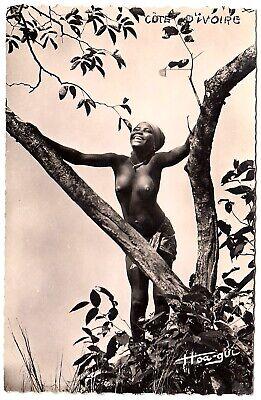IVORY COAST LACHENDE JUNGE NACKTE FRAU ELFENBEINK STE FOTO AK UM 1950