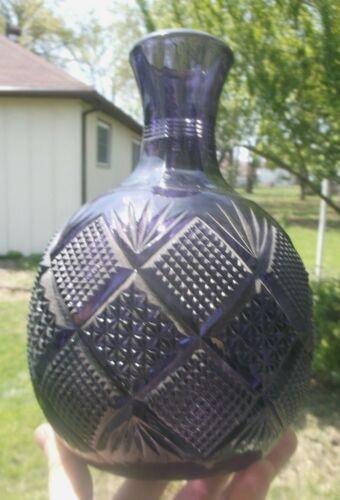 NICE PURPLE COLORED FANCY CUT GLASS WATER BOTTLE PONTIL 1905 ERA DECORATIVE L@@K