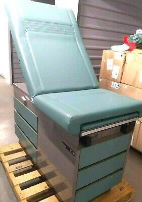 Midmark Ritter 104 Medical Obgyn Green Exam Table Bed Stirrups 120v Outlets 2