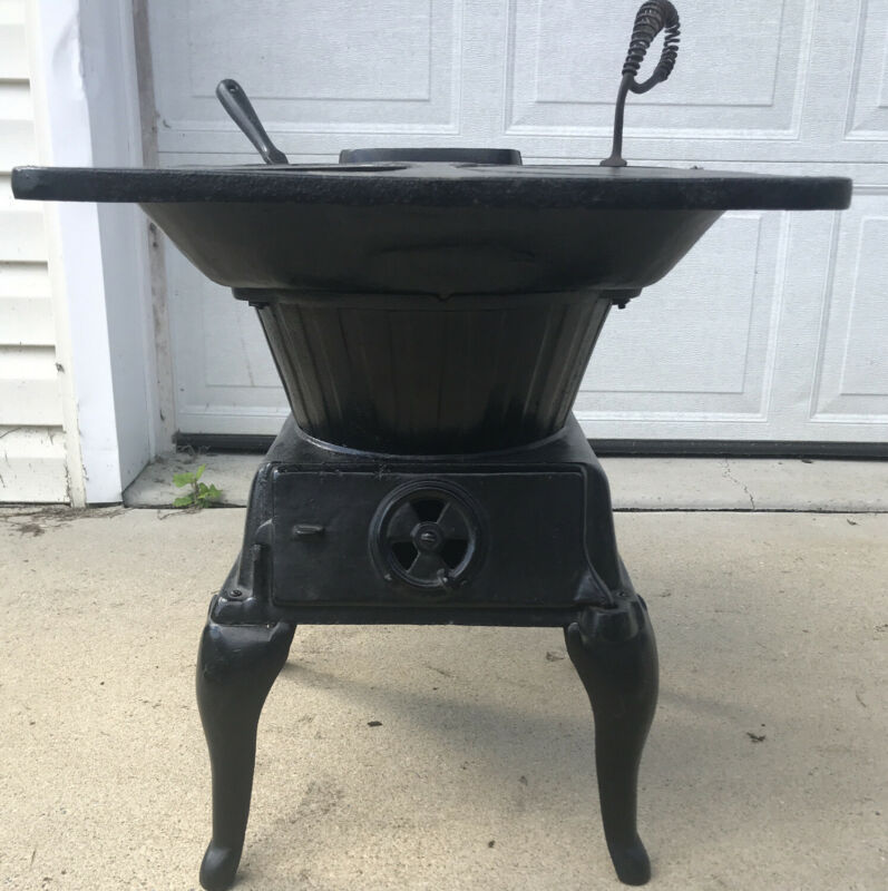 Small Cast Iron Cookstove Wood Or Coal #641.211 Black Excellent Condition