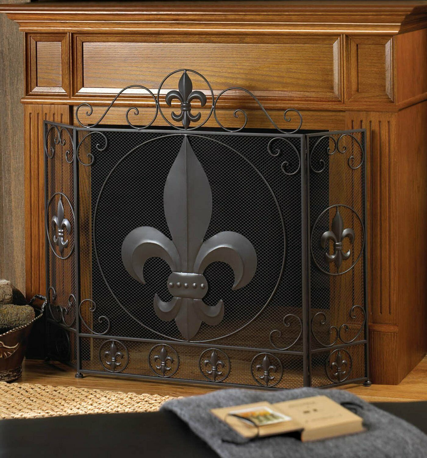 Fleur-de-lis 3 Panel Iron and Mesh Fireplace Screen