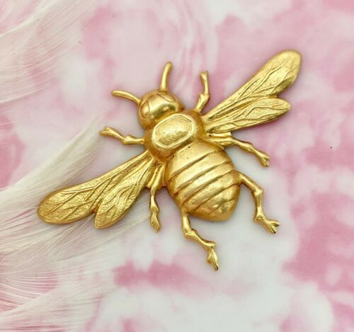 BRASS (1 Piece) Large BEE Stamping ~ Bee With Wings Jewelry Finding (FA-6023)
