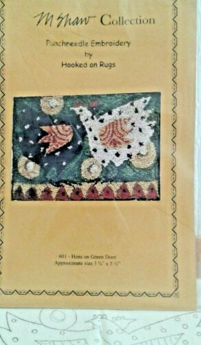 V Hens on Green Door PUNCHNEEDLE PATTERN Hooked On Rugs M Shaw w/preprint fabric