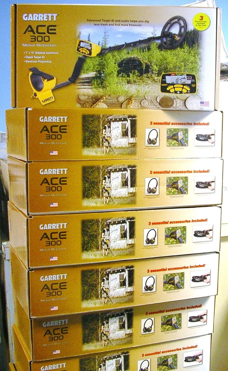 GARRETT ACE 300  FREE INTRODUCTORY PACK AND FREE SHIPPING  FREE ITEMS