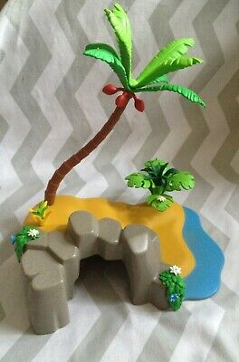 Playmobil spares island .rock, scenery plant ( will combine postage )