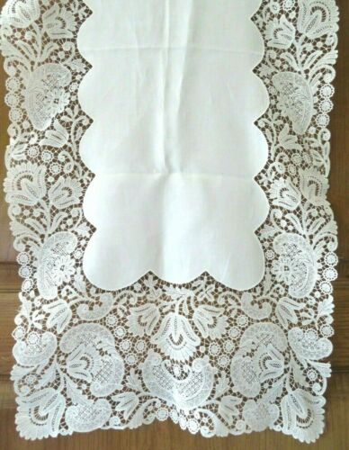 ANTIQUE ELABORATE SCHIFFLI LACE TABLE RUNNER, STYLIZED FLOWERS PATTERN