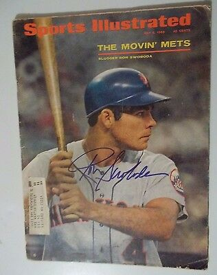 RON SWOBODA NEW YORK METS  AUTOGRAPHED 1968 SPORTS ILLUSTRATED MAGAZINE