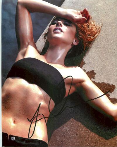 *BIKINI* Linda Cardellini Signed Autographed 8x10 Photo Proof COA Freaks Geeks