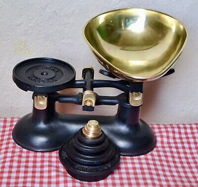 "VINTAGE ENGLISH ""VICTOR"" KITCHEN SCALES 8 ""VICTOR"" STACKING WEIGHTS 2lb to 1/4oz"