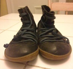 Quality Black Leather Ankle Boots by Camper Size 40 (9.5) Peterborough Peterborough Area image 2